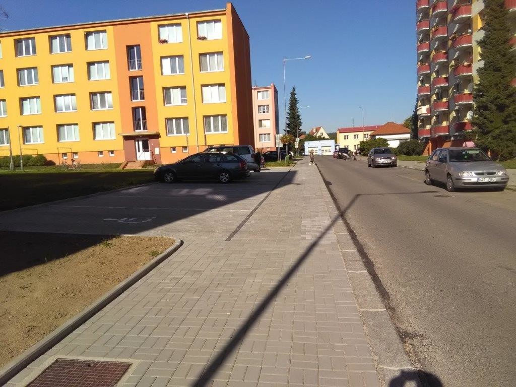 ulice Komenského 2